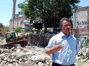 Başkan Hançerli yıkım çalışmalarını inceledi