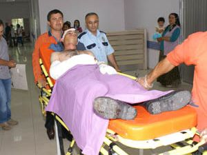 Aksarayda askeri araç devrildi:3 yaralı