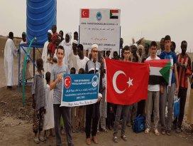 Konyalı öğrenciler Sudanda su kuyusu açtı