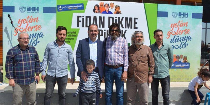 """Konya İHHdan Yetim Dayanışma Günleri Kapsamında """"Fidan Dikimi Ve Piknik"""