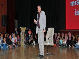 Akşehir'de Eğitimci - Yazar Alişan Kapaklıkaya konferans verdi