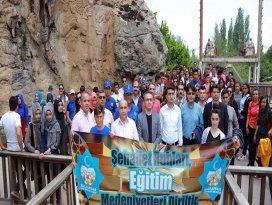 Halkapınarda Gençlik Haftası yürüyüşü