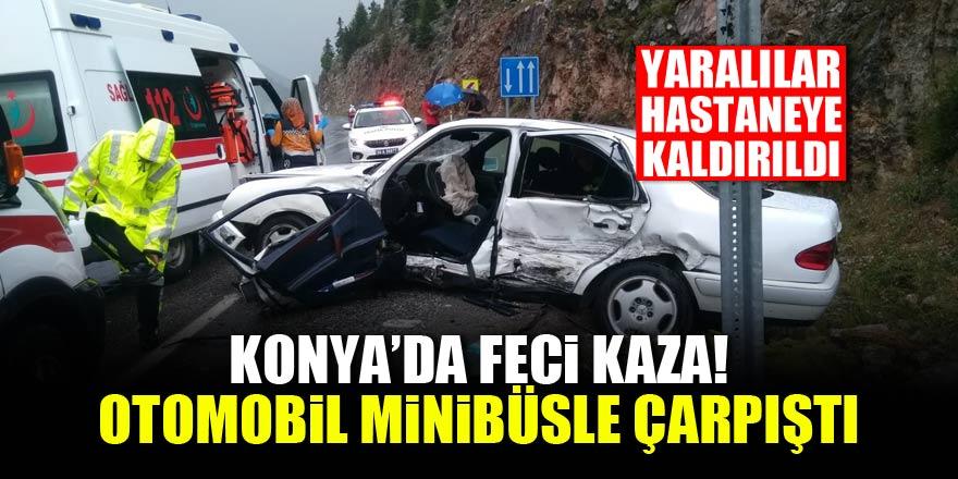 Konyada feci kaza! Minibüs otomobille çarpıştı