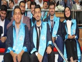 Necmettin Erbakan Üniversitesinde mezuniyet heyecanı