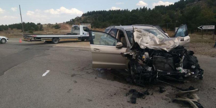 Konya'da tır ile otomobil çarpıştı: 7 yaralı