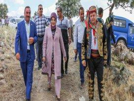 Başkan Toru, Yeşil Tekke ve Yatağan'da şenliklere katıldı
