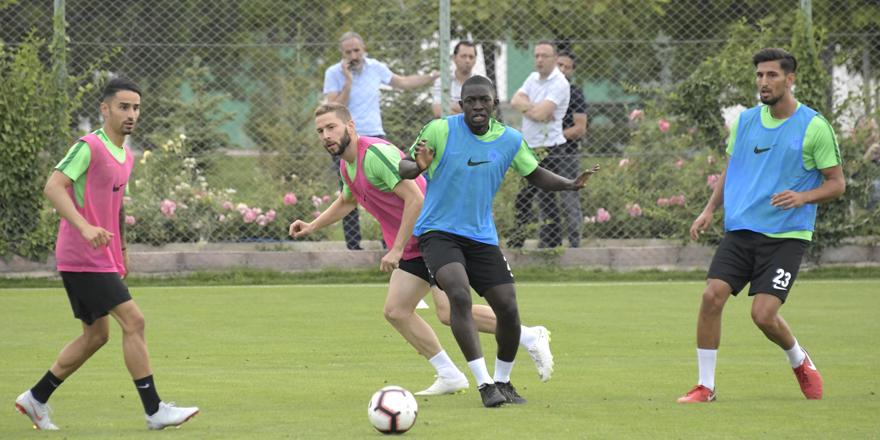 Konyaspor, transferde sona yaklaştı