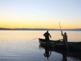 Balıkçı çift 15 yıldır beraber vira bismillah diyor