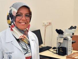 NEÜ'lü patolog, Dünya Patolojisinde en etkin 100 isim arasında