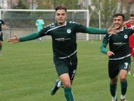 Aykut Kocaman, golcü oyuncuyu deneyecek