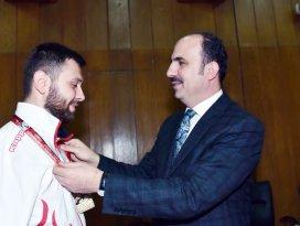Altay, şampiyon para tekvandocuyu ödüllendirdi