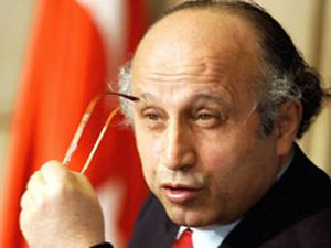 Yaşar Nuri Öztürkü yakan mesajlar