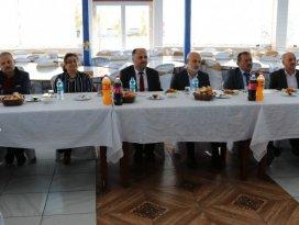 Başkan Özaltun, muhtarlarla veda yemeğinde bir araya geldi