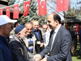 Başkan Altay, şehit ailelerini ziyaret etti