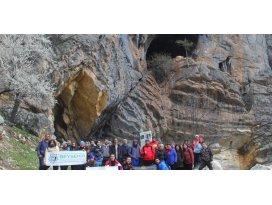 Doğa yürüyüşüyle mağaralar tanıtıldı