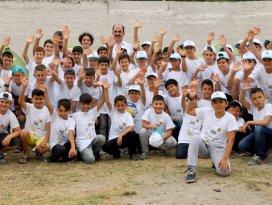 Altay, gençlik kampında öğrencilerle buluştu