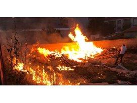 Konyada çıkan yangın evlere sıçramadan söndürüldü