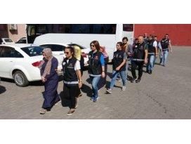 Karabük'te FETÖ şüphelisi 18 kişi adliyede