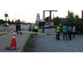 Kaldırımda yürürken panelvan minibüsün çarptığı anne-kız öldü