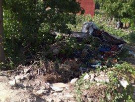 Beyşehirde sebze yüklü kamyonet devrildi: 2 yaralı