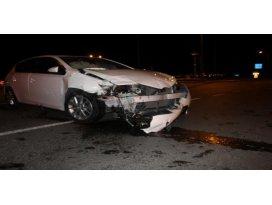 Sivasta iki otomobil çarpıştı: 10 yaralı