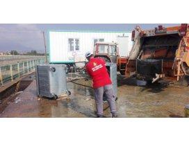 Konyada çöp konteynerleri dezenfekte ediliyor