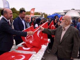 """""""Allah kahraman Mehmetçiğimizi muzaffer eylesin"""""""