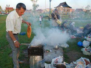 Hançerliden iftar pikniği yapan ailelere ziyaret