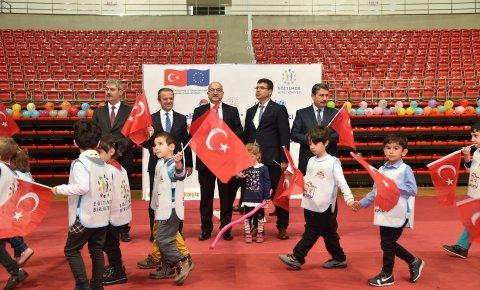 Konya'da 'Çocuk Şenliği' düzenlendi