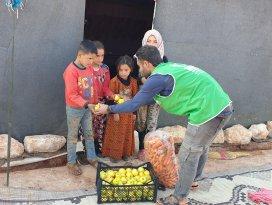 Suriye'ye 13 TIR insani yardım