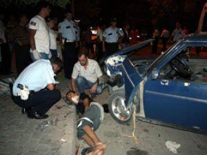 Ehliyetsiz sürücü kaza yaptı