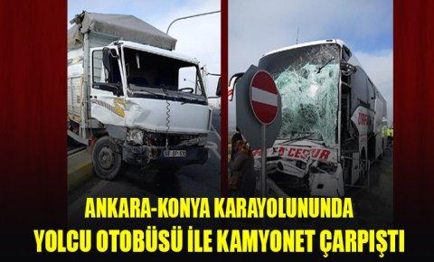 Yolcu otobüsü ile kamyonet çarpıştı: Yaralılar var