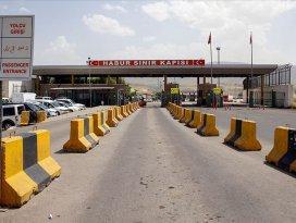 PKKlı 3 terörist sınır kapısında teslim oldu
