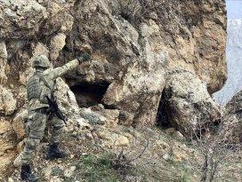Irakın kuzeyinde 3 PKKlı terörist etkisiz hale getirildi