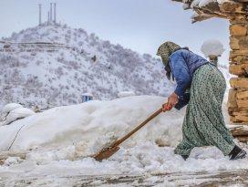 Konyanın Hadim ilçesinde kar yağışı etkili oldu