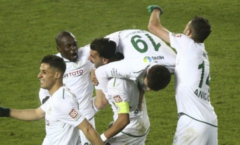 Konyaspor son dakikada güldü