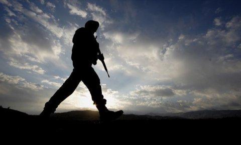 Barış Pınarı Harekatı bölgesinde askeri araç devrildi, 1 şehit