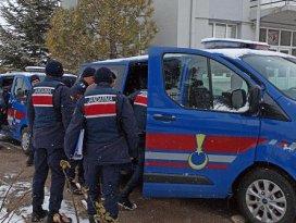 8 ilde köy köy gezerek 2 milyon lira dolandıran suç örgütünün elebaşı da tutuklandı