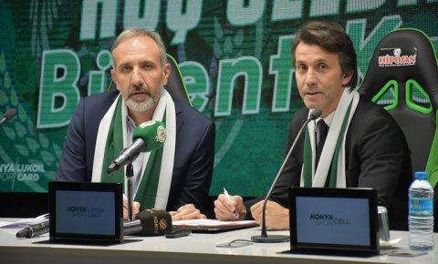 Konyaspor, Bülent Korkmaz ile 1,5 yıllık sözleşme imzaladı