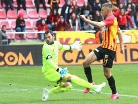 Konyaspor kalecisi Serkan Kırıntılıdan kritik süreç