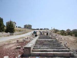 Seyir tepesine merdiven inşa ediliyor