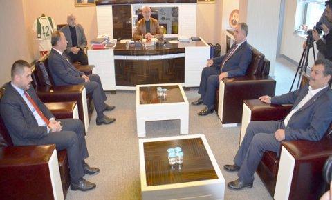 MHP'den AK Parti'ye nezaket ziyareti