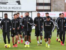 Beşiktaş'ta futbolculara mesaj gitti: Evden çıkmayın