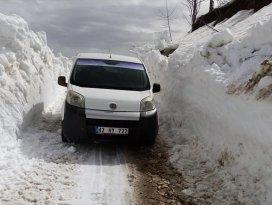Hadimde yayla yollarında kar temizleme çalışmaları