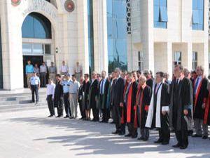 Türkiye Cumhuriyeti laik bir hukuk devletidir