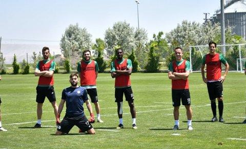 Konyasporda futbolculara bayram izni
