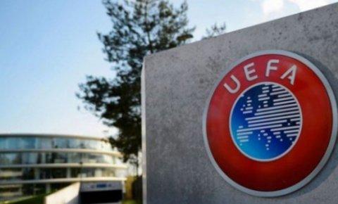 UEFAdan seyircili maç kararı!