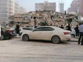 İzmirde çok şiddetli deprem!