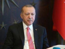 Cumhurbaşkanı Erdoğan, Avusturyadaki saldırıda polisi kurtaran Türk gençlerle telefonda görüştü