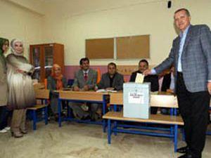 Erdoğanın oy kullandığı sandıktan evet çıktı